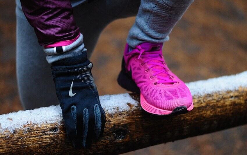 Можно ли в кроссовках ходить зимой
