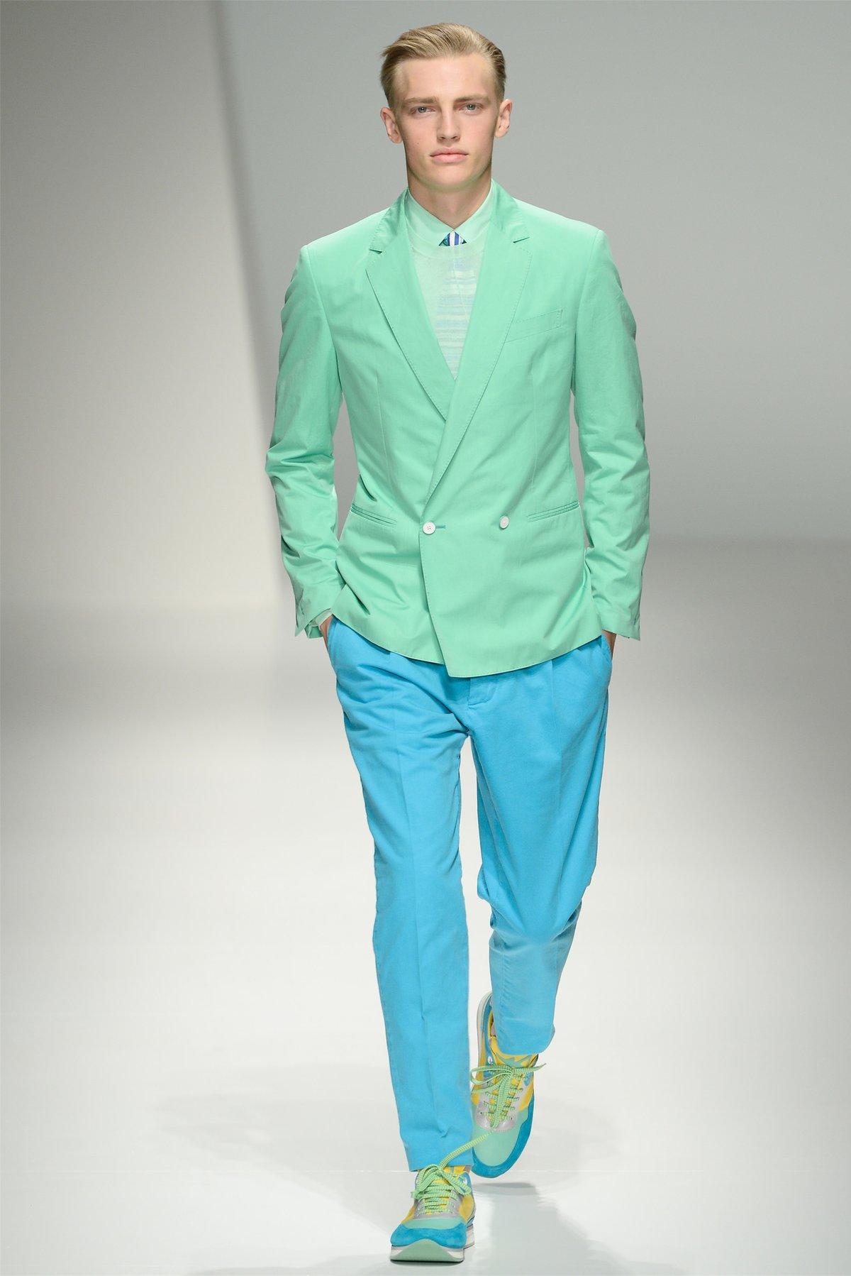 С чем носить зелёные кроссовки