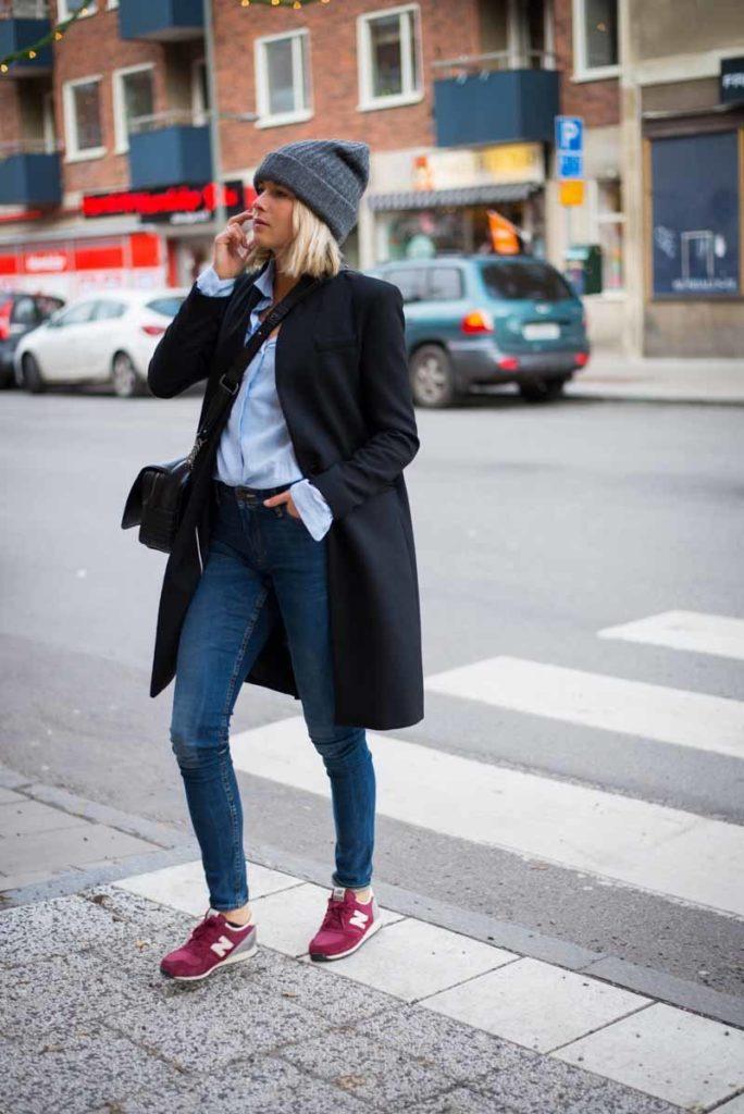 С чем носить бордовые кроссовки