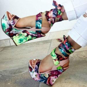 обувь с ярким принтом