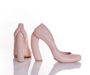обувь с каблуком необычной формы