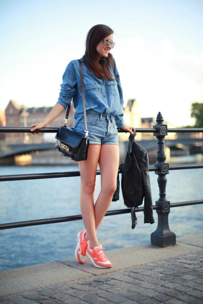 кроссовки с шортами