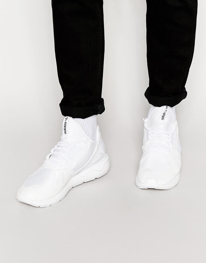 белые женские кроссовки с носками