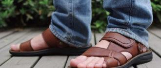 C чем носить мужские сандалии