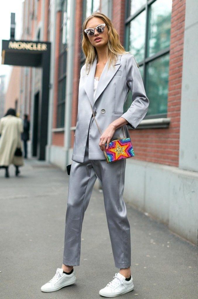 Пиджак с кедами