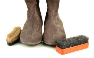 Как почистить замшевые сапоги в домашних условиях