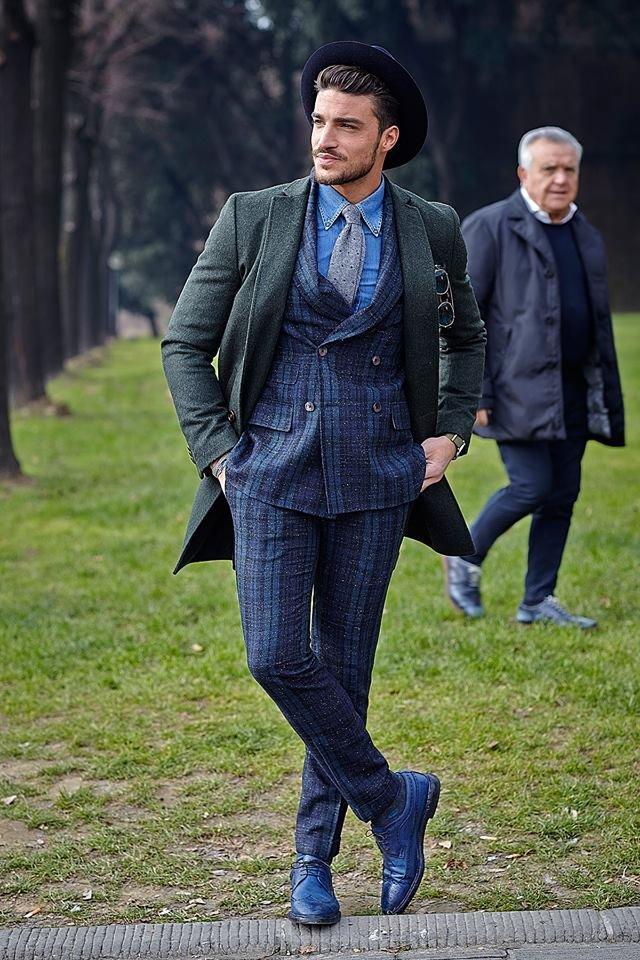 С чем носить синие туфли мужчинам