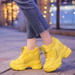 Какие женские кроссовки сейчас в моде (2019)